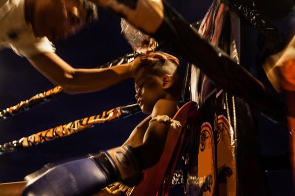 """Chấn thương là một phần không thể thiếu của những cuộc đấu, đặc biệt là đối với những đứa trẻ """"mỏng cơm"""" như thế này."""