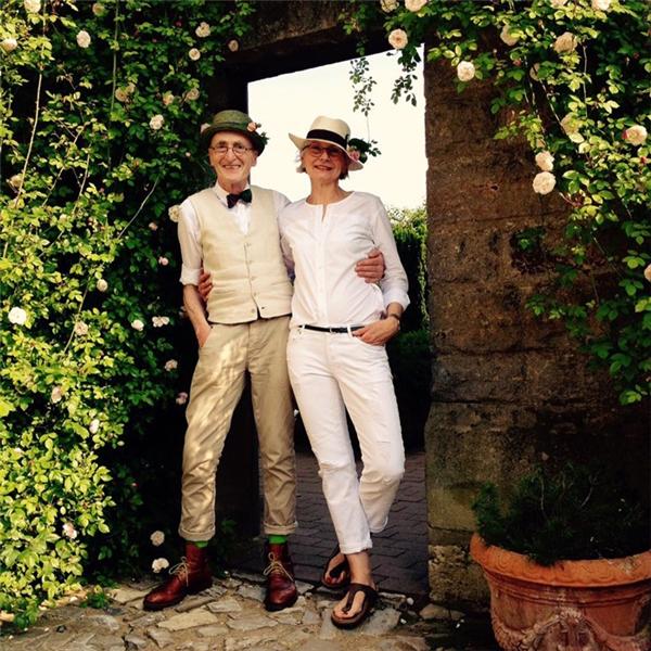 Xuất hiện thêm một cao niên ăn mặc cực chất khiến giới trẻ