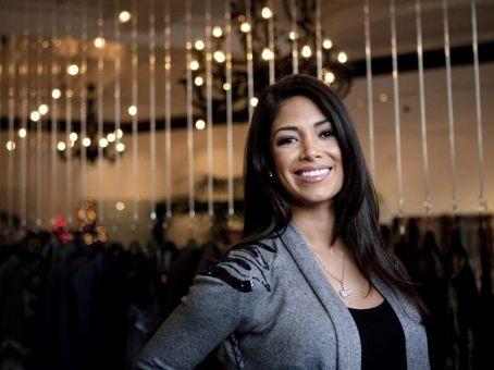 Nicole là mẫu chân dài thông minh, giỏi giang và là người làm thiện nguyện nổi tiếng.