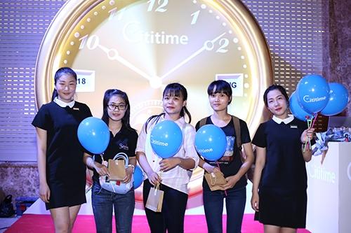 Các bạn trẻ đang tìm hiểu thông tin về Cititime...  ...và nhận những phần quà dễ thương từ thương hiệu Cititime.