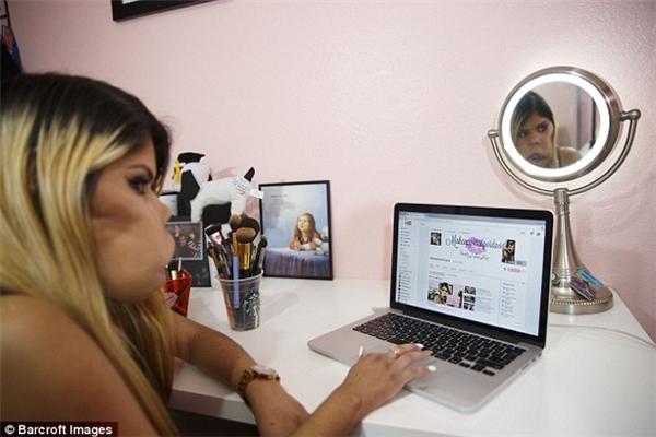 Vlogger gây bão mạng với nghị lực phi thường