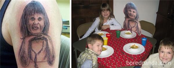 Không biết cha bé gái này mỗi lần trông thấy con gái có bị hoảng sợ vì nhớ tới hình xăm nơi cánh tay này không nhỉ?