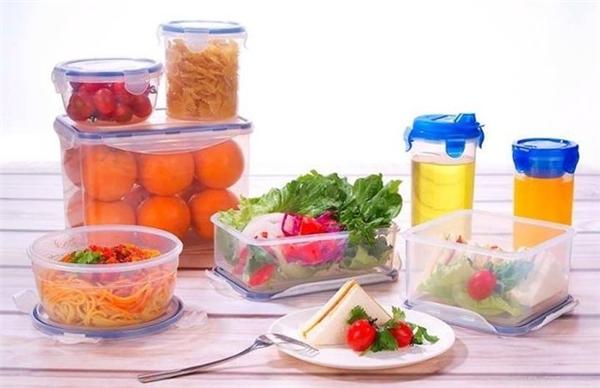 Nên chọn loại nhựa vô cơđể đựng thực phẩm. (Ảnh: internet)