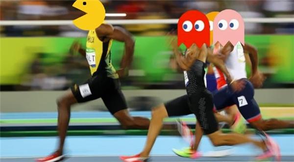 """Cảnh tượng quen thuộc của 8x, 9x một thời """"cày"""" Pac-Man"""