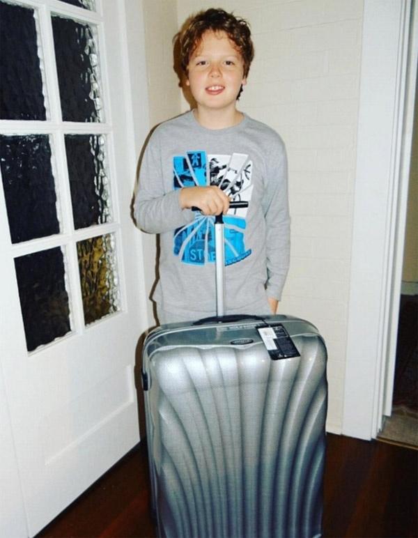 11 tuổi, cậu bé này đã đi qua 65 quốc gia thay vì đến trường mỗi ngày