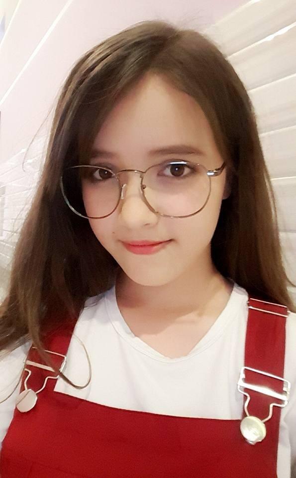 Cô nàng khuynh đảo cộng đồng mạng có tên Linda Visona (tên tiếng Việt là Nguyễn Ngọc Trâm).
