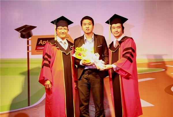 Anh từng là cựu học viên tại Hệ thống Đào tạo Lập trình viên Aptech với những thành tựu nổi bật.