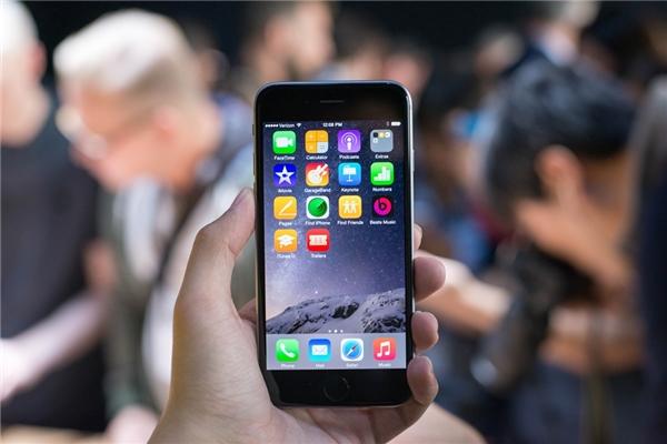 iPhone đôi khi rất chậm khi mở các ứng dụng. (Ảnh: internet)