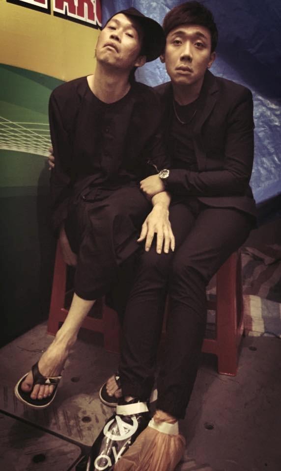 Nét mặt biểu cảm hài hước của Hoài Linh và MC Trấn Thành. - Tin sao Viet - Tin tuc sao Viet - Scandal sao Viet - Tin tuc cua Sao - Tin cua Sao