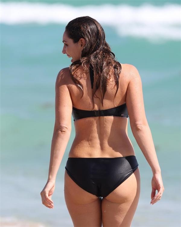 Đây chính là thân hình hoàn hảo nhất đối với một người phụ nữ xinh đẹp và khỏe mạnh.