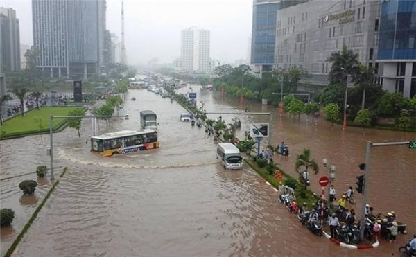 Chiều nay 19/8, bão số 3 sẽ gây ra mưa lớn tại Hà Nội, gió giật cấp 6-8.
