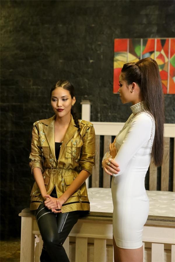 Phạm Hương trò chuyện, giải thích cùng Lan Khuê sau quyết định loại Mai Ngô.