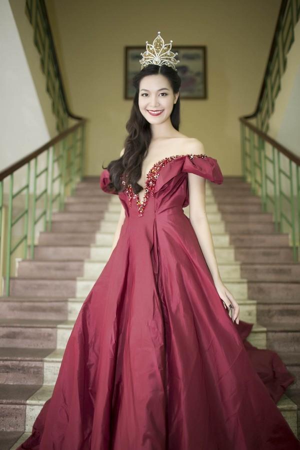 Tuy nhiên, Thùy Dung vẫn giữ được vương miện và danh hiệu. Một năm sau khi đăng quang, cô hầu như không xuất hiện ở bất kì sự kiện nào mà dành thời gian học tập để lấy được bằng tốt nghiệp.