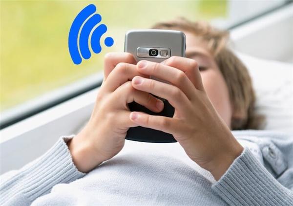 Loại bỏ các thiết bị đang xài chùa Wifi sẽ giúp cải thiện tốc độ mạng. (Ảnh: internet)