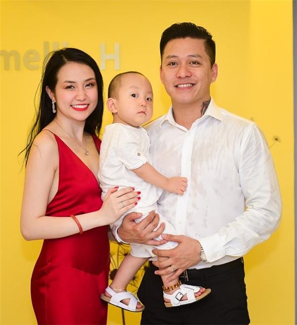 Tuấn Hưng xác nhận bà xã Thu Hương mang thai gần 3 tháng - Tin sao Viet - Tin tuc sao Viet - Scandal sao Viet - Tin tuc cua Sao - Tin cua Sao
