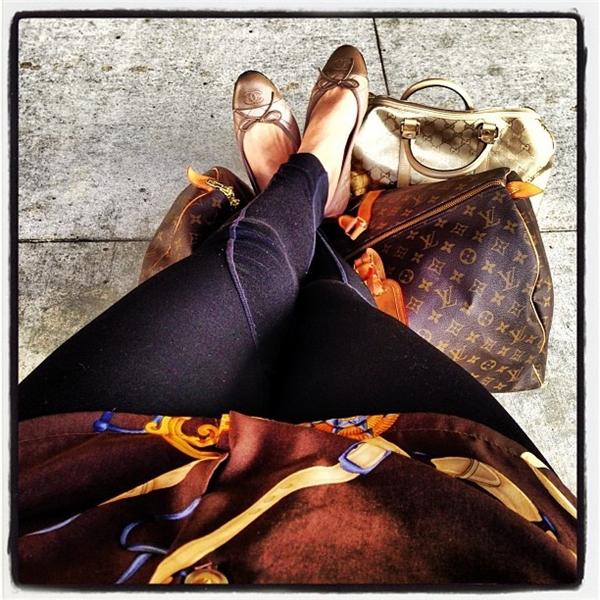 Lyla đặc biệt thích các sản phẩm của Chanel và Louis Vuitton.