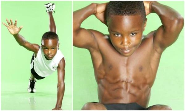 Cơ bắp đáng ngưỡng mộ của cậu nhóc CJ Senter.