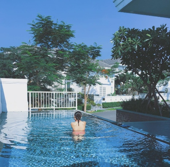 ..., đi du lịch ở những resort đắt đỏ. - Tin sao Viet - Tin tuc sao Viet - Scandal sao Viet - Tin tuc cua Sao - Tin cua Sao