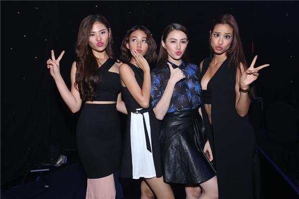 """Biểu cảm """"khó đỡ"""" của 4 cô học trò trong team Hà Hồ, đặc biệt là Lilly Nguyễn. - Tin sao Viet - Tin tuc sao Viet - Scandal sao Viet - Tin tuc cua Sao - Tin cua Sao"""