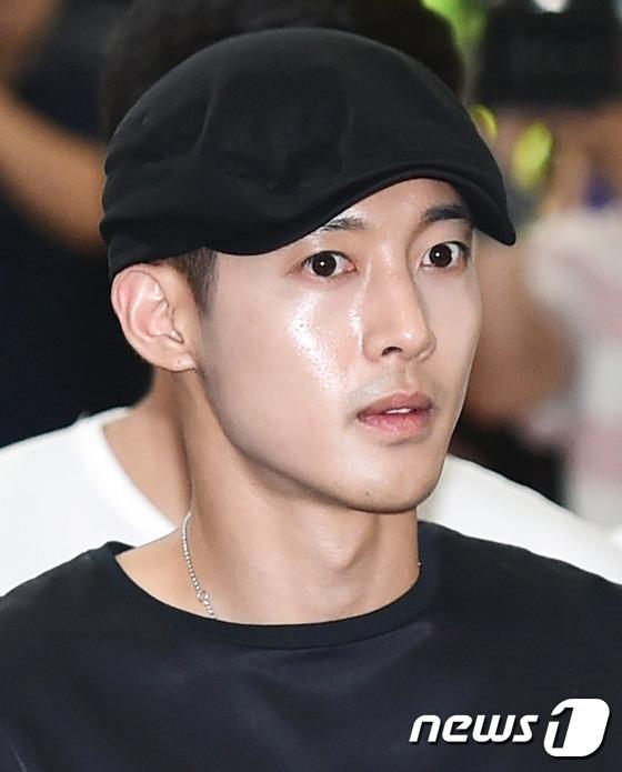 Mẹ Kim Hyun Joong 3 lần tìm đến cái chết bởi scandal của con trai