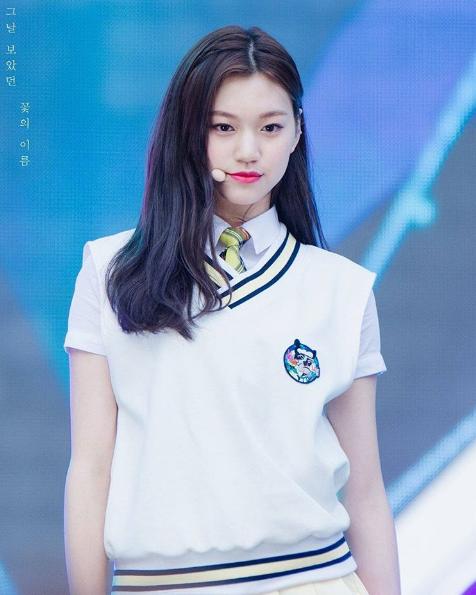 Với nét đẹp cá tính sang chảnh, thành viênDoyeoncủa I.O.I thu hút nhiều người hâm mộ.