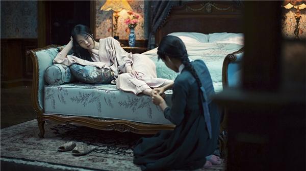 Sook Hee đem lòng yêu Hideko. (Ảnh: Internet)