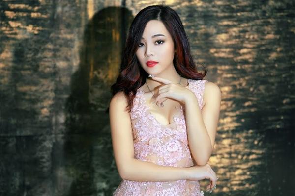 Mai Diệu Ly là ca sĩ hát đa thể loại, cô có sở trường là Pop, Balalld, nhưng cũng từng thử nghiệm và tạo ấn tượng tốt ở dòng nhạc dân gian đương đại.