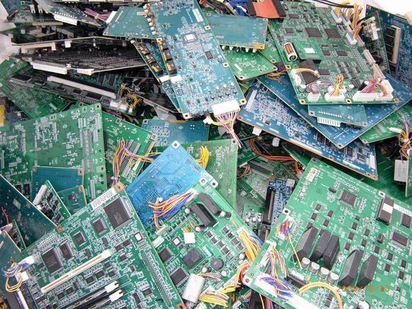 Số lượng thiết bị điện tử bỏ đi của Nhật Bản vào khoảng 650.000 tấn mỗi năm. (Ảnh: internet)
