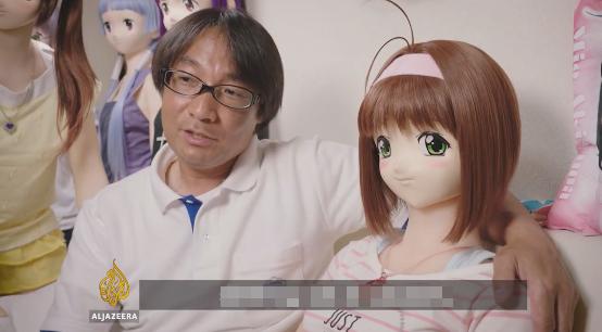 Trong tất cả các con búp bê mà Hiroyuki sở hữu, Tise là cô búp bê mà ông yêu thích nhất.