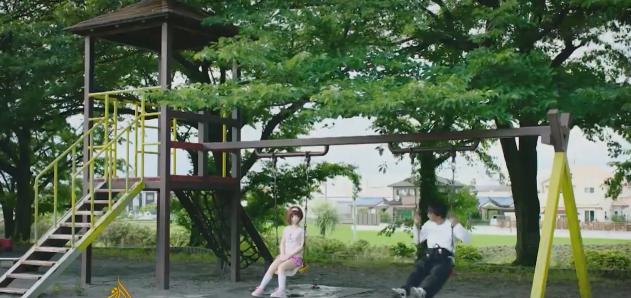 Hiroyuki thường mang những cô búp bê ra ngoài chơi vào những ngày nghỉ và đăng tải khoảnh khắc vui vẻ lên mạng.
