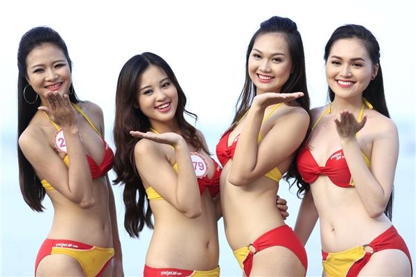 Các thí sinh của vòng Chung kết HHVN 2016 cùng khoe trọn sắc vóc thanh xuân, rạng rỡ và cuốn hút trong bộ bikini nóng bỏng.