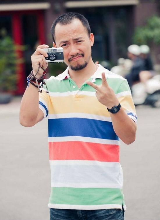 Theo nhiều nguồn tin cho biết, Tiến Đạt sinh ra trong một gia đình khá bề thế tại Sài Gòn. Mẹ của anh là một doanh nhân có tiếng. - Tin sao Viet - Tin tuc sao Viet - Scandal sao Viet - Tin tuc cua Sao - Tin cua Sao
