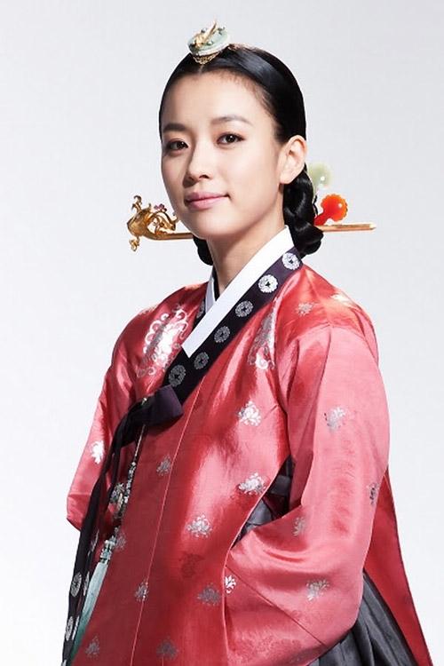 Thành tích này của Han Hyo Joo khiến Park Shin Hye, Suzy phải