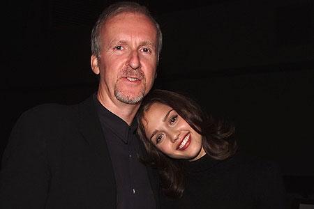 Cô luôn dành sự kính trọng đặc biệt đối với đạo diễn James Cameron.