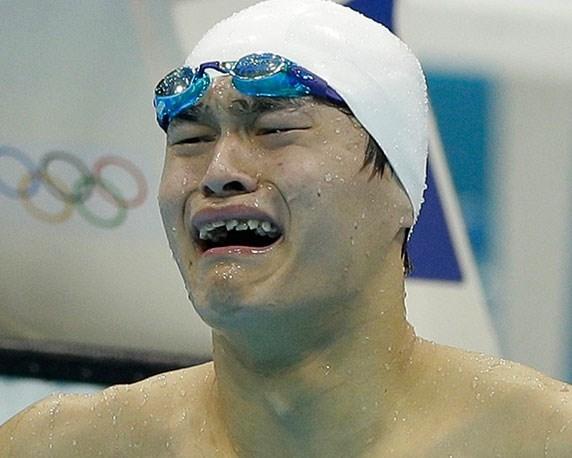 Sun Yang khóc như mưa khi không giành được huy chương vàng.