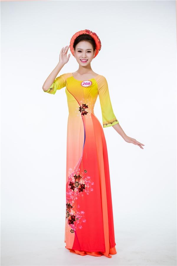Phùng Bào Ngọc Vân diện áo dài loang màu ấn tượng, hiện đại.