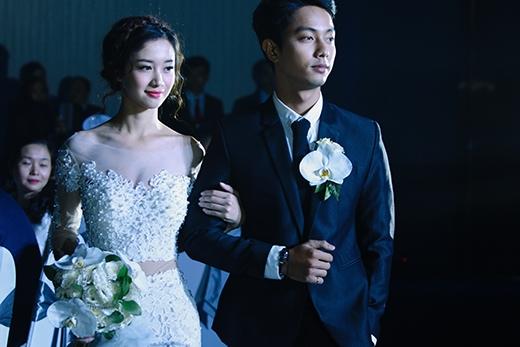 Cô dâu Jun Vũ đẹp rạng ngời bên cạnh chú rể Võ Đình Hiếu