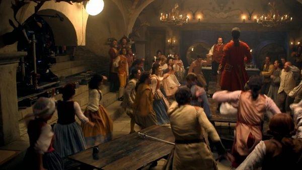 Giờ đây các fan càng háo hức mong ngóng được ngắm dung nhan của chàng Gaston nữa mà thôi.