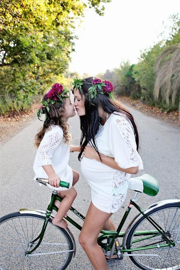 Mẹ hãy yên tâm, sau này con lớn con sẽ đạp xe chở mẹ đi khắp thế gian.