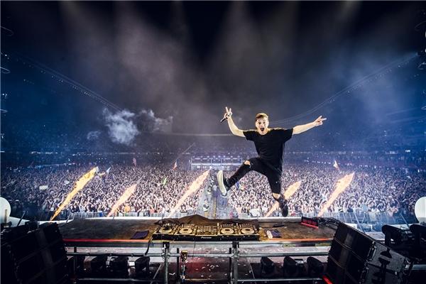 Với những người yêu và đam mê nhạc điện tử, Martin Garrix là một cái tên không hề xa lạ.