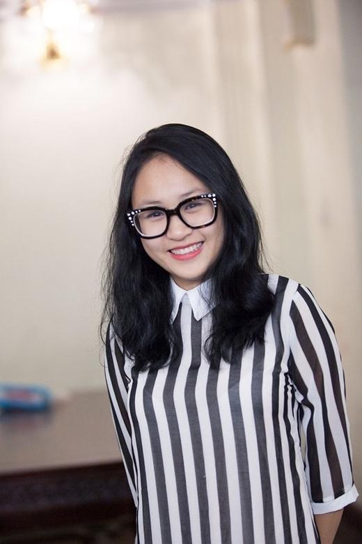 Thiện Thanh có gương mặt bầu bĩnh đáng yêu cùng nụ cười tươi tắn.