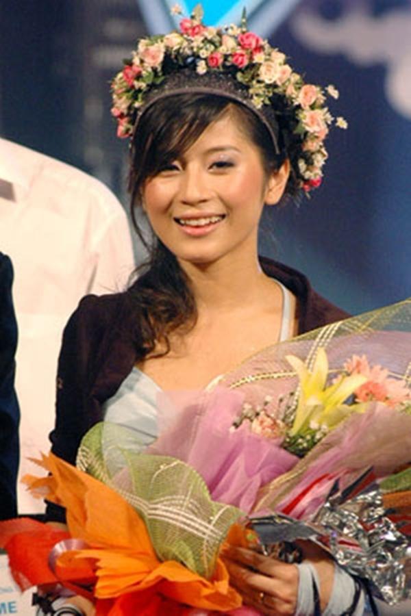 Hình ảnhNgọc Anhđăng quang trong đêm chung kết Miss Audition 2006. (Ảnh: Internet)
