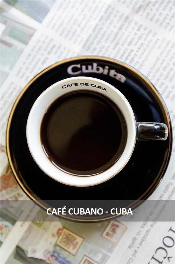 Phong cách uống cà phê của người Cuba là cho một lượng espresso vào đun với đường để vừa có hương thơm vừa có vị ngọt. Nhiều người sẽ cho thêm một chút sữa.