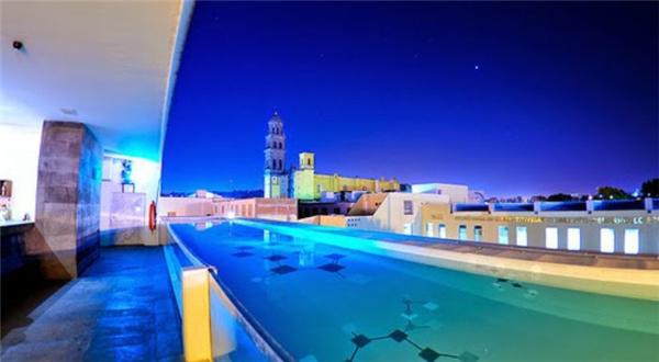 Ấn tượng những bể bơi ảo diệu có một không hai trên khắp thế giới