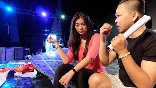 Diễn viên Thanh Trúc hát và nhảy cực sung khi tập tiết mục của mình. Trong tất cả các thí sinh nữ, Thanh Trúc được đánh giá là người có những động tác nhảy vô cùng điêu luyện mặc dù đó không phải là sở trường.