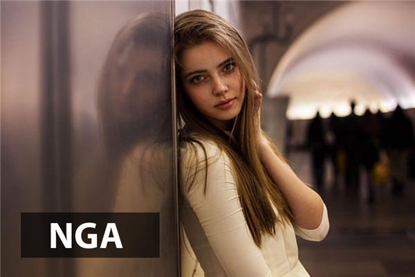 Phụ nữ Nga mang đến sự cuốn hút kì lạ với đôi mắt sâu thẳm thiêu đốt cái nhìn của người đối diện.