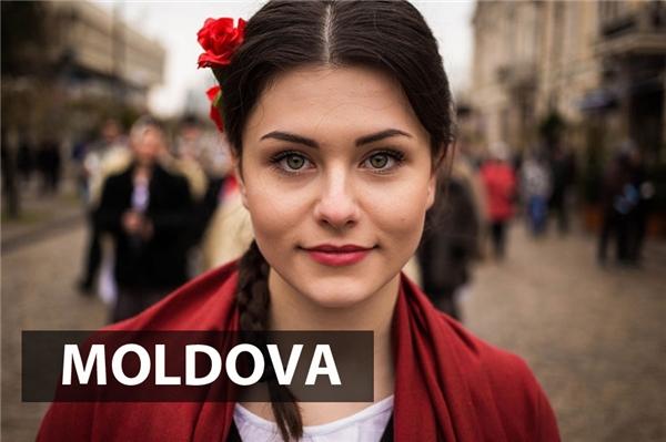 """""""Nhẹ nhàng, đằm thắm nhưng không kém phần tự tin"""" là cụmtừ miêu tả chuẩn xác nhất diện mạo điển hình của người phụ nữ Moldova."""