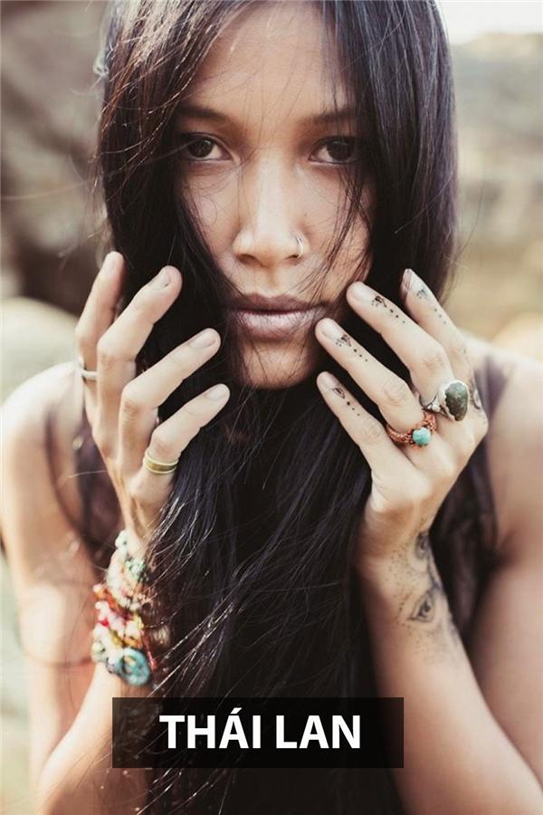 Bí ẩn và sắc sảo là những gì người ta thường liên tưởngkhi nhắc đến phụ nữ Thái Lan.