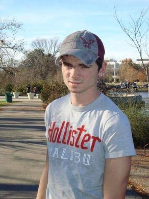 Anh Chris Ford, 26 tuổi, trước khi chẩn đoán mắc bệnh ung thư.(Ảnh: USA Today)