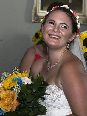 Cô dâu Nicole chuẩn bị cho thời khắc quan trọng nhất cuộc đời.(Ảnh: USA Today)
